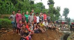 Gruppenfoto unserer Arbeiter und Freiwilligen