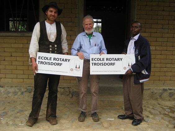 Martin Mikat als Wandergeselle 2010 im Kongo mit Rupert Neudeck und einem lokalen Partner