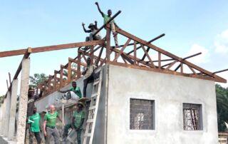 Die weiterführende Schule in Mansadu ist fast fertig